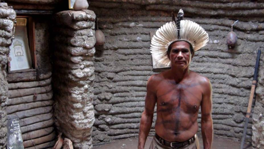 Gilberto Fulniô em local usado para cerimônias indígenas