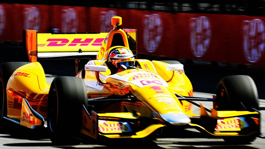 O norte-americano Ryan Hunter-Reay conquistou neste sábado (4) a pole position para a São Paulo Indy 300 no circuito do Anhembi, zona norte da capital paulista