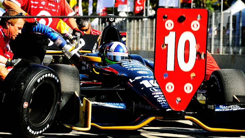 Dario Franchitti no treino para a Indy 300