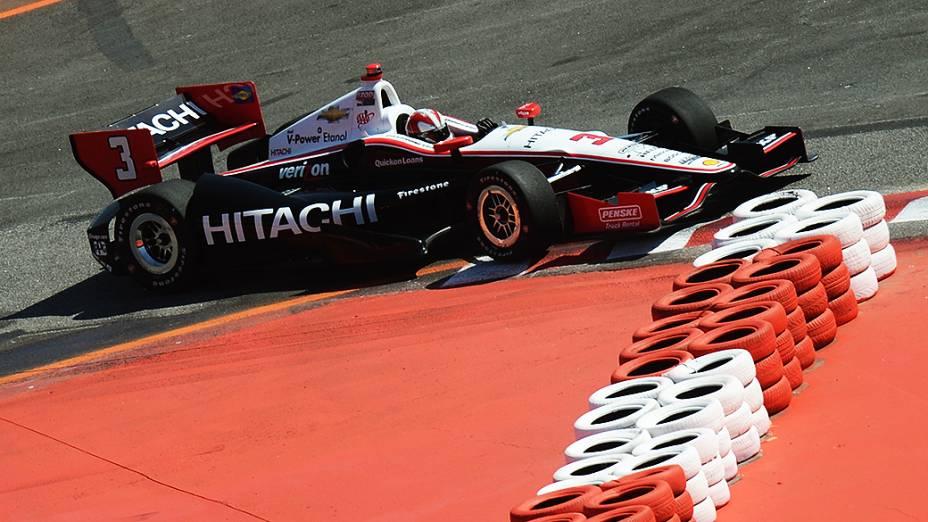 Hélio Castroneves durante o treino de classificação da São Paulo Indy 300 neste sábado (04), no Anhembi, em São Paulo