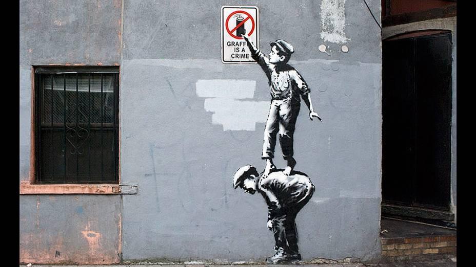 Obra de Banksy intitulada The street is in play em Manhattan