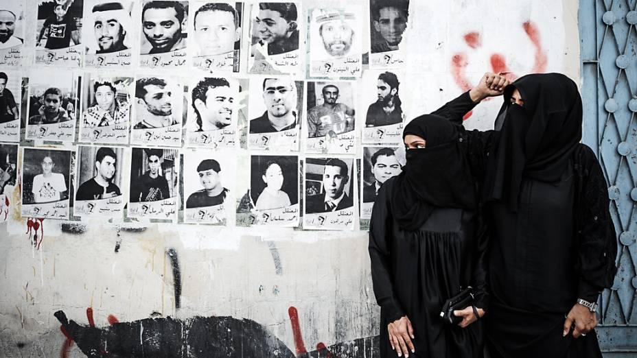 Mulheres particpam de protesto contra a realização do GP de Fórmula 1 no Bahrein