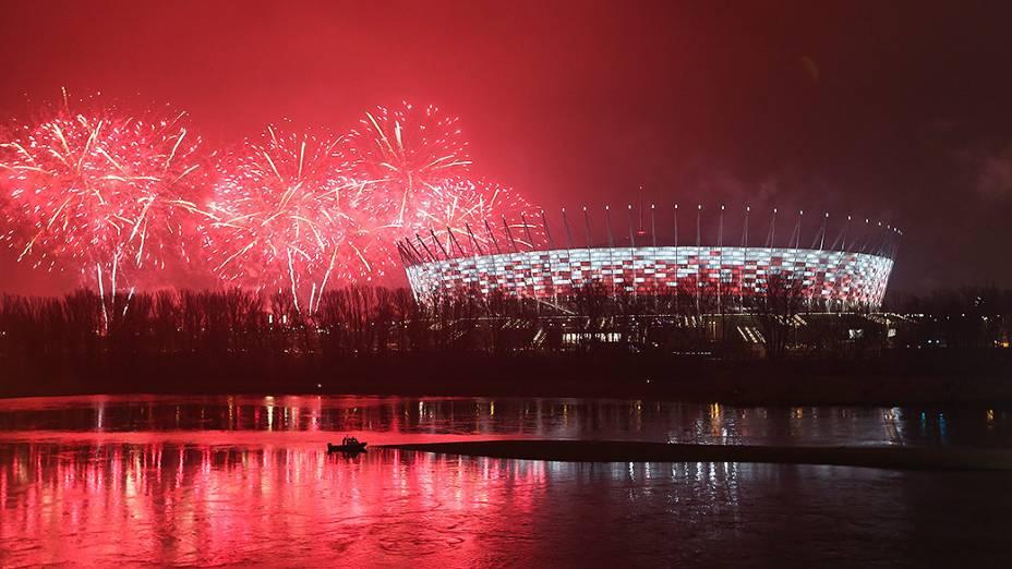 Show de fogos de artifício na cidade de Varsóvia, na Polônia