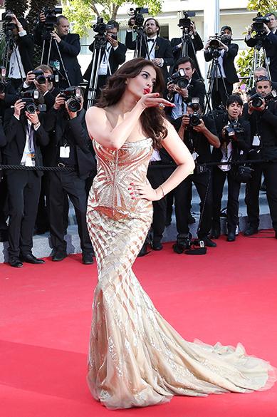 A atriz indiana Aishwarya Rai Bachchan posa para os fotógrafos durante cerimônia do 67º Festival de Cinema de Cannes