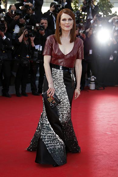 A atriz norte-americana Julianne Moore é fotografada durante o segundo dia do 67º Festival de Cinema de Cannes, na França