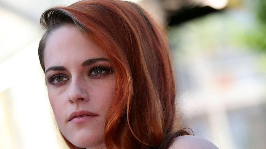 A atriz norte americana Kristen Stewart é fotografada após a exibição do filme Sils Maria durante o 67º Festival de Cinema de Cannes, na França
