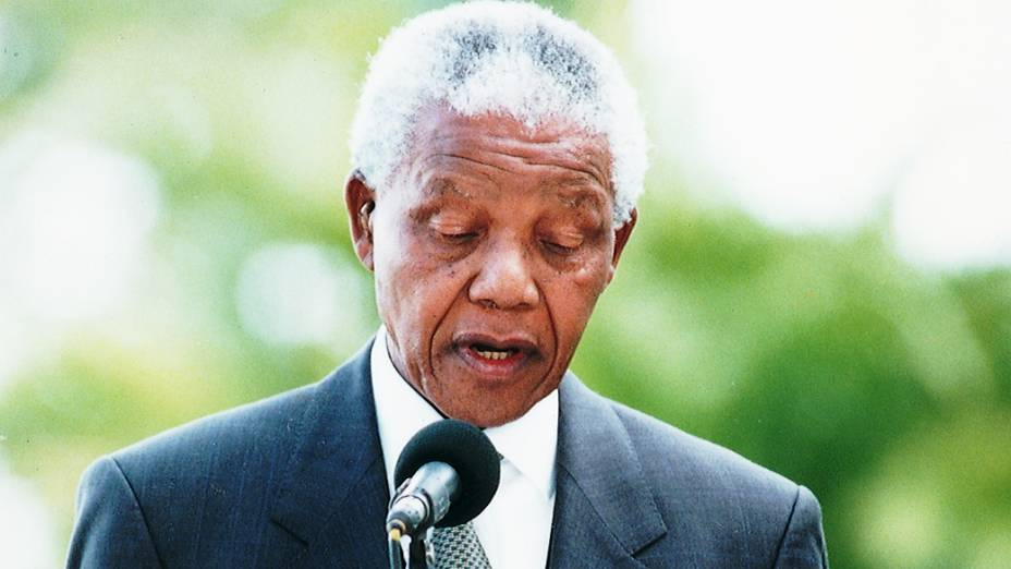 Nelson Mandela, presidente da África do Sul discursa no Palácio da Alvorada, na sua visita ao Brasil, em 1998, em Brasília