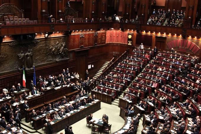 internacional-parlamento-italiano-20101214-01-original.jpeg