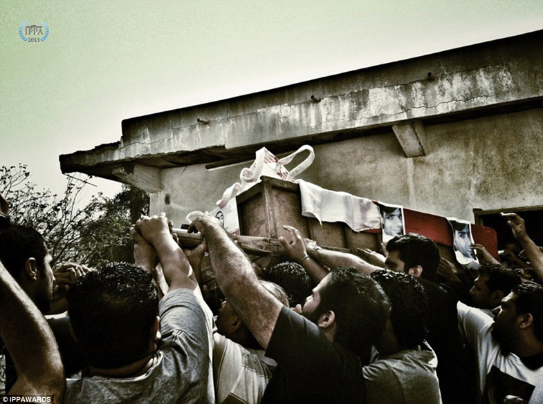 Fotografia de Mohammed Radhi - Vencedora na categoria: Notícias/Eventos