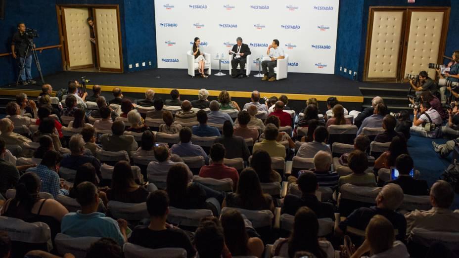 A blogueira cubana Yoani Sánchez durante debate, em São Paulo, em 21/02/2013
