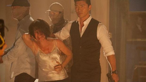 O ator Rick Yune (que é americano, mas descendente de coreanos) em cena de <em>Invasão à Casa Branca</em>