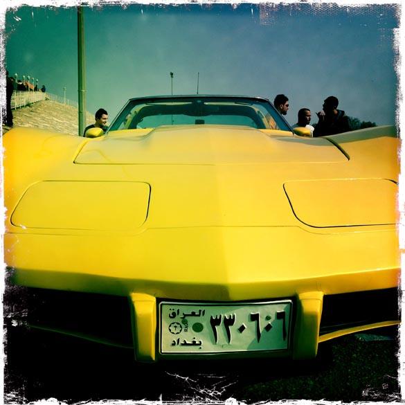 Chevrolet Corvette da década de 70, durante encontro de veículos em Bagdá