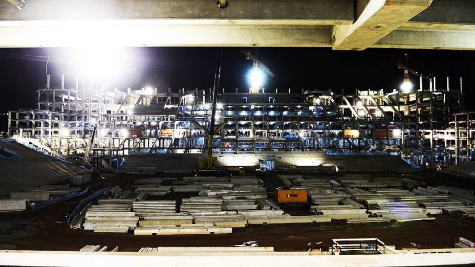 Vista noturna do setor oeste do estádio Itaquerão