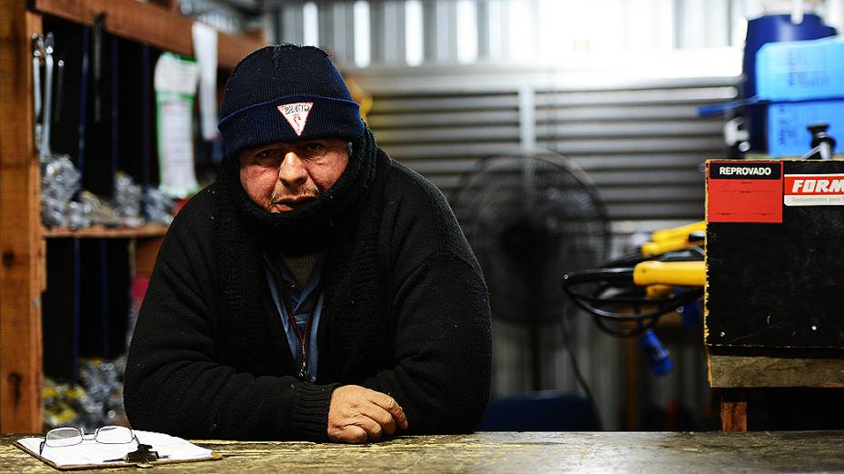 Operário José Luiz trabalha no setor de ferramentaria da obra do Itaquerão
