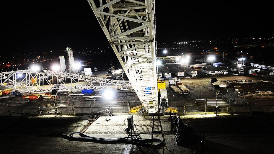 Placa metálica de 75 metros para a cobertura do Itaquerão