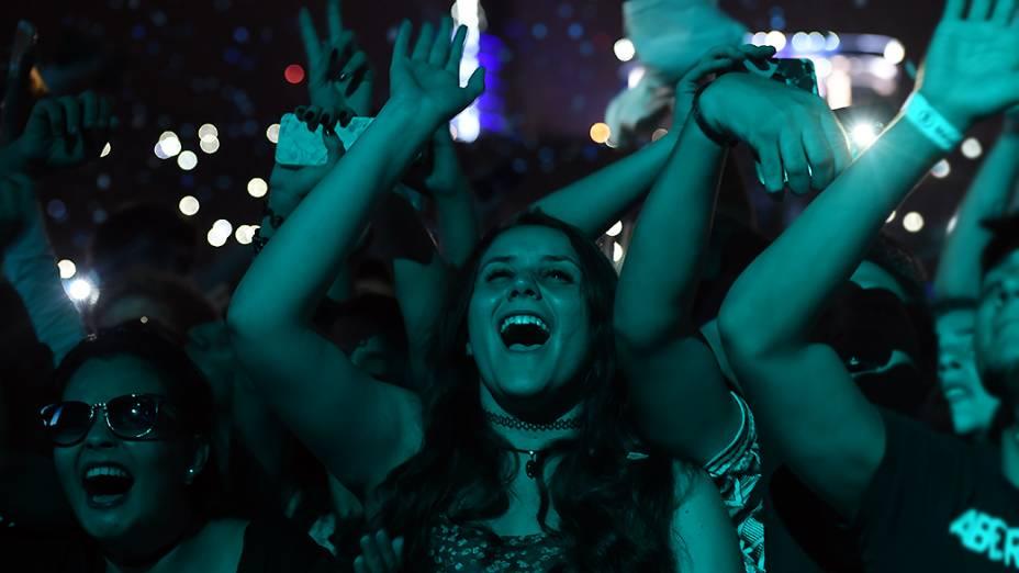 Público na apresentação do Calvin Harris no Lollapalooza 2015