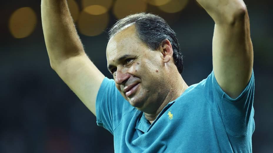 O ex-jogador do Palmeiras, Evair, durante partida de inauguração do novo estádio, em São Paulo