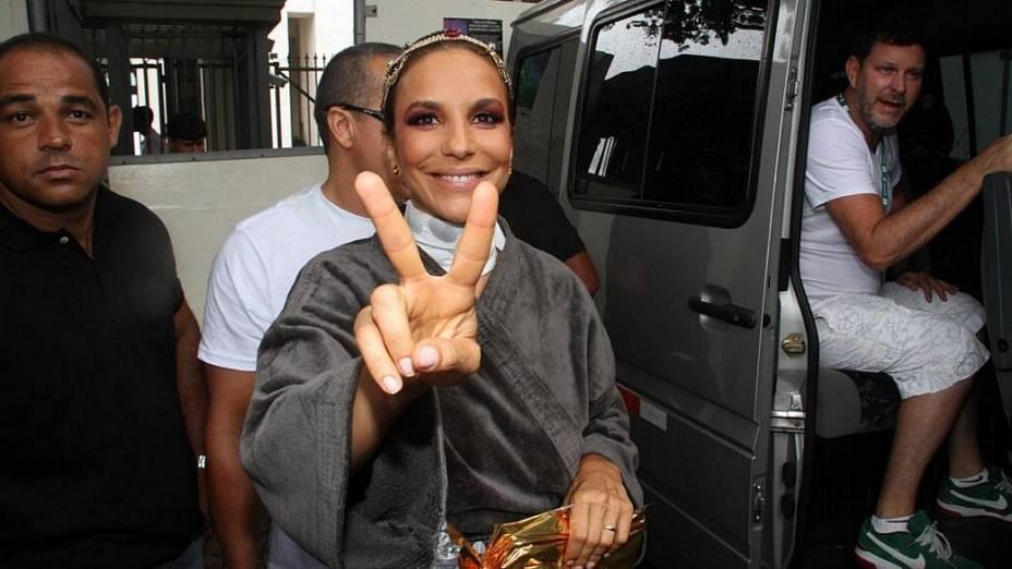 Ivete se prapara para o circuito Campo Grande, em Salvador (19/02/2012)