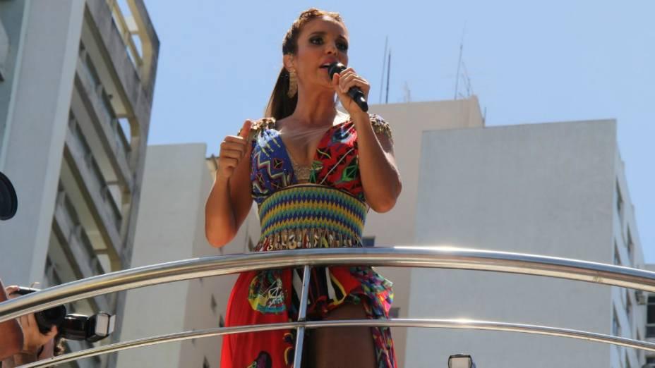 Ivete Sangalo canta no circuito Campo Grande em Salvador
