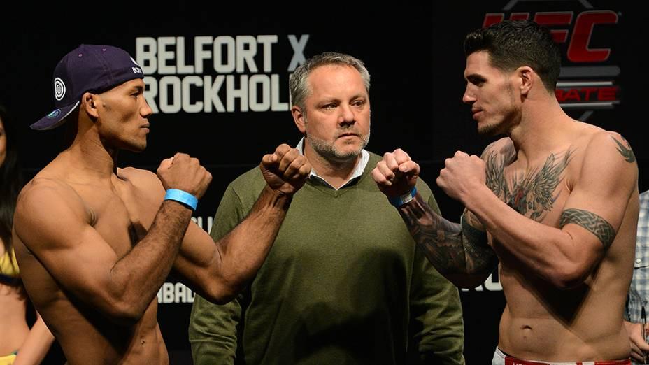 Ronaldo Jacaré e Chris Camozzi durante a pesagem do UFC Jaraguá do Sul em (SC)