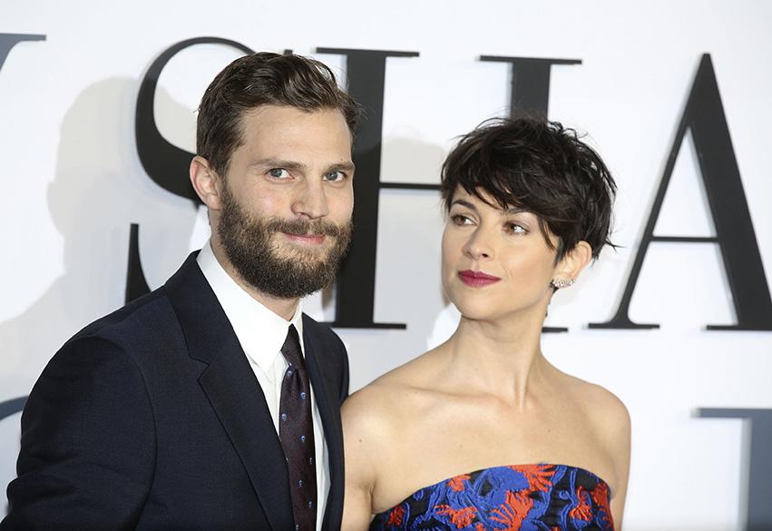 Jamie Dornan e a esposa Amelia Warner na première de Cinquenta Tons de Cinza