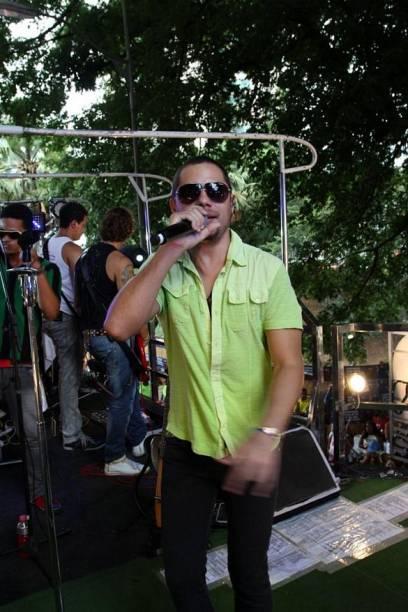 Jamil coordena a folia em Salvador (19/02/2012)