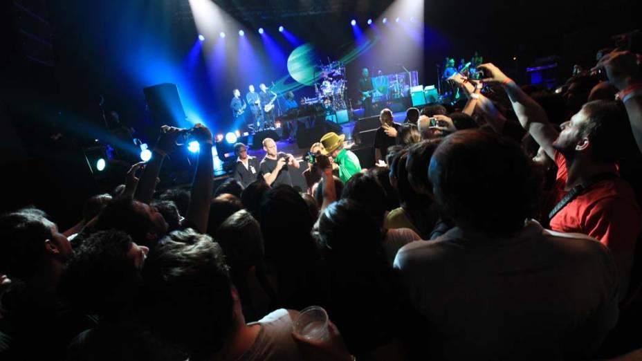 A banda britânica de jazz Jamiroquai, liderada pelo cantor Jay Kay, fez show na noite desta quinta-feira (07) no Credicard Hall, em São Paulo