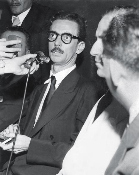 Abril de 1953 - Prefeito por São Paulo, Jânio dá entrevista durante visita ao Rio de Janeiro. Ele ganhou a eleição para a prefeitura com 285 mil votos, o dobro do número de todos os outros candidatos