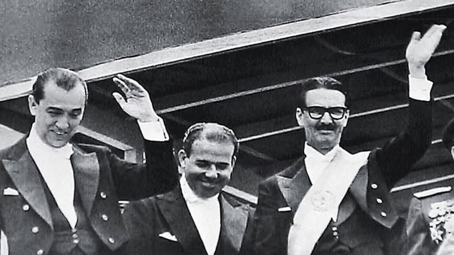 Nos cinco anos da era JK, o país ficou parecido com o mineiro tolerante. Mas decidiu, em 1960, que o sucessor seria um mato-grossense autoritário. A posse de Jango, o vice (no meio), precipitaria o golpe militar de 1964