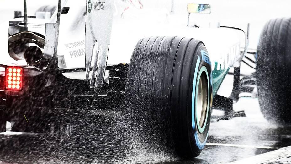 Lewis Hamilton venceu o agitado GP do Japão em Suzuka