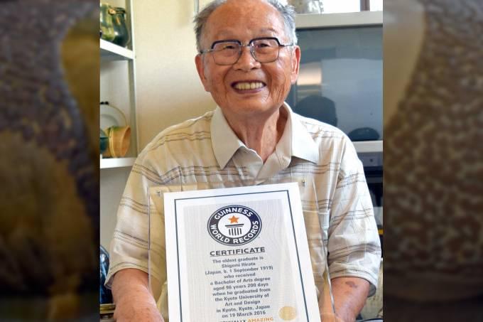 Homem mais velho do mundo a receber um diploma