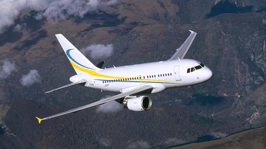 A318 Elite, da Airbus - Será apresentado ao público brasileiro na Labace, principal feira de aviação da América Latina. Comporta até 19 pessoas.