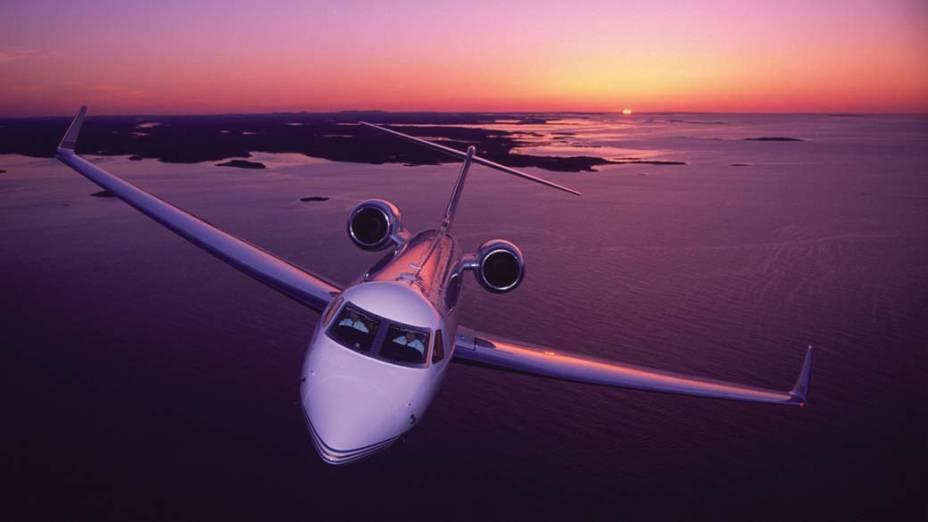 Gulfstream G550 - Um dos primeiros aviões adquiridos pelo empresário Eike Batista, comporta até oito pessoas