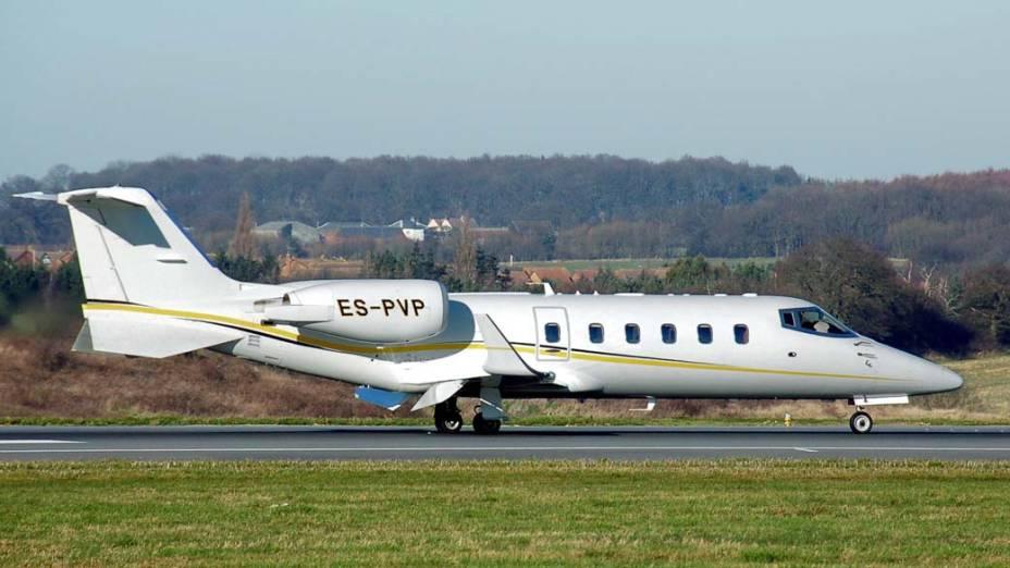 Leajet 60 da Bombardier - Um dos mais populares em sua categoria. Custa em torno de 13 milhões de dólares e comporta quatro pessoas.