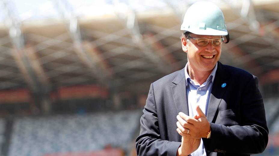 Secretário-geral da FIFA, Jerome Valcke, visitando o Estádio Mineirão, em Belo Horizonte, durante os preparativos para a Copa do Mundo do Brasil em 2014
