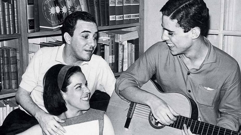 João Gilberto com Miucha e Chico Buarque