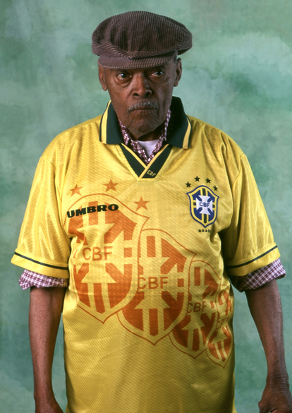 Leônidas da Silva com a camisa da seleção brasileira em 1996