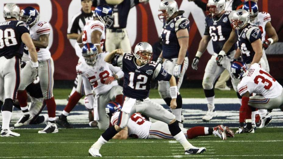 """Tom Brady comemora touchdown em partida contra o """"New York Giants"""""""