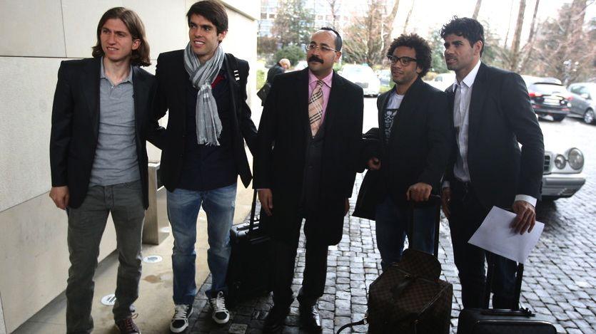 Filipe Luís, Kaká, Marcelo e Diego Costa chegam ao hotel da seleção em Genebra antes do amistoso contra a Itália