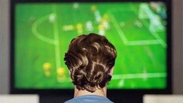 jogo-de-futebol-na-tv-original.jpeg