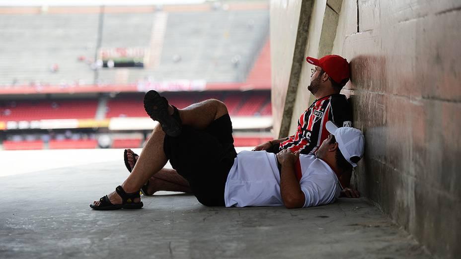 Torcida antes da partida entre São Paulo e Fluminense, no estádio do Morumbi