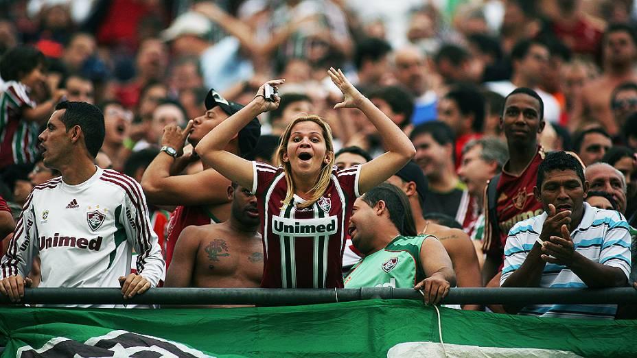 Torcida durante partida entre São Paulo e Fluminense, no estádio do Morumbi