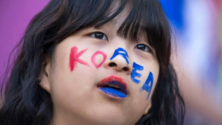 Torcedora da Coreia do Sul no jogo contra o Brasil, no futebol