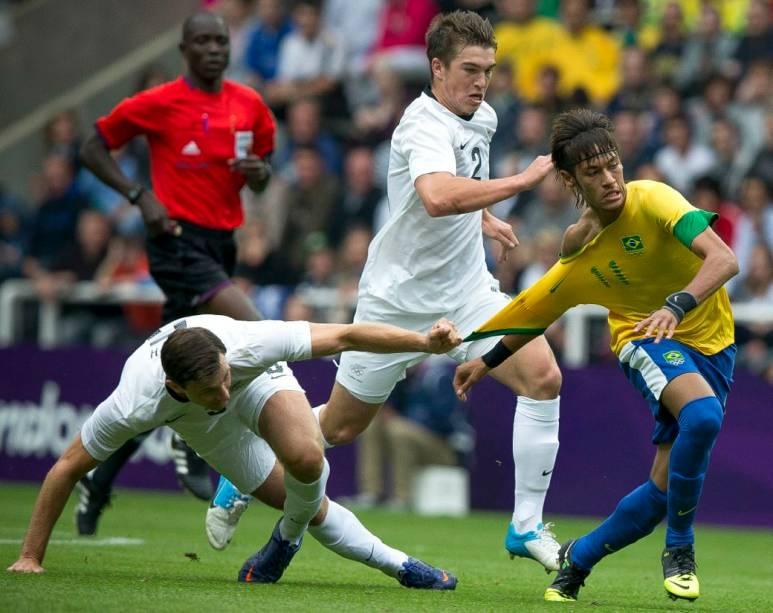 Neymar em ação contra a Nova Zelândia