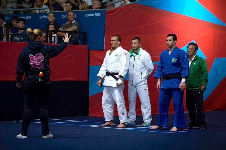 Tiago Camilo antes de sua luta contra judoca uzbeque