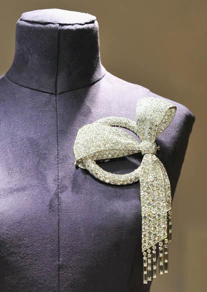 """Jóia integrante da exposição """"A Coleção de Elizabeth Taylor"""", cujas peças serão leiloadas na Christies entre 13 e 16 de dezembro, em Nova York"""