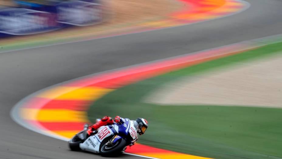 O motociclista Jorge Lorenzo, companheiro de equipe de Valentino Rossi, treina para o MotoGP em Alcañiz, Espanha