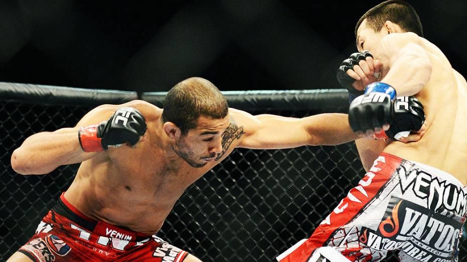 O brasileiro José Aldo vence o coreano Chan Sung Jung no Ultimate Fighting que volta ao Rio de Janeiro (RJ), para o evento UFC 163, ou simplesmente UFC Rio 4