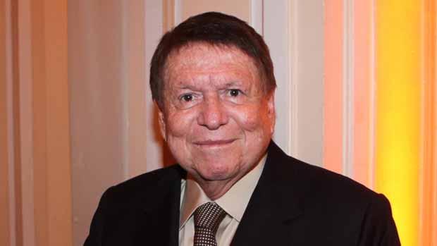 José Bonifácio de Oliveira Sobrinho, o Boni, tem feito sessões de radioterapia