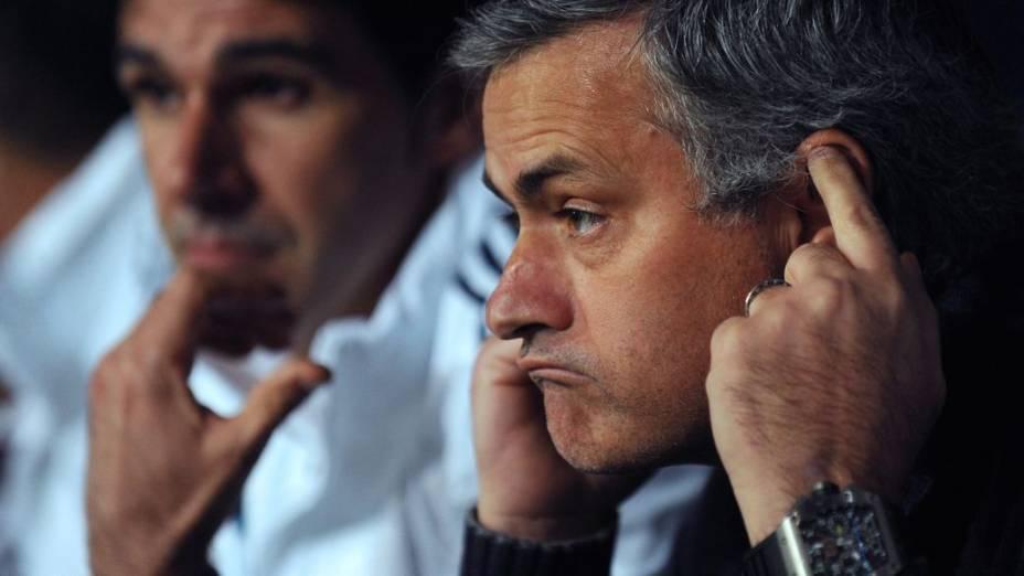José Mourinho no banco do Real Madrid na derrota para o Málaga
